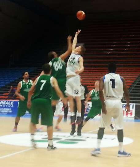 """Basket, L'Aretusa: """"una spallata al pregiudizio"""", vince in trasferta a Capo d'Orlando"""