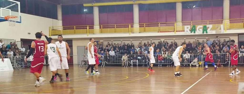 """Basket, l'Aretusa vince ancora: match deciso all'ultimo dal """"Mago"""" Alescio"""