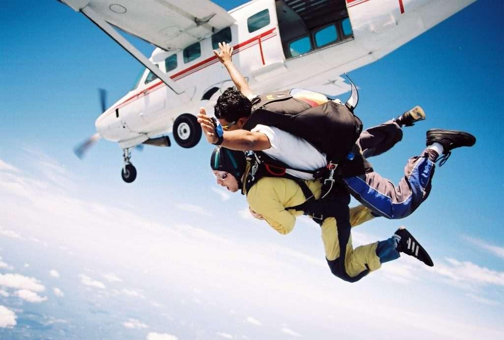 Paracadutismo, Conoscete questo sport? Guarda il video amatoriale di un fan!