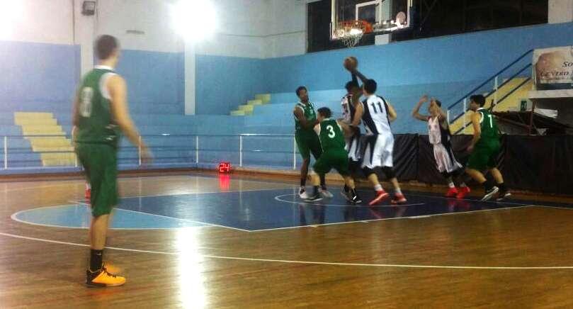Basket, tira che tira la corda si spezza: l'Aretusa perde sul finale contro la Sport Messina