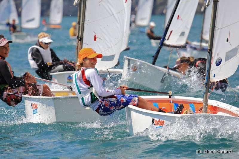 """Siracusa. Vela, al via domenica la """"Coppa Aico Sicilia"""" e selezione """"Giochi delle Isole"""": previsti quasi 100 allievi a bordo dei loro Optimist"""