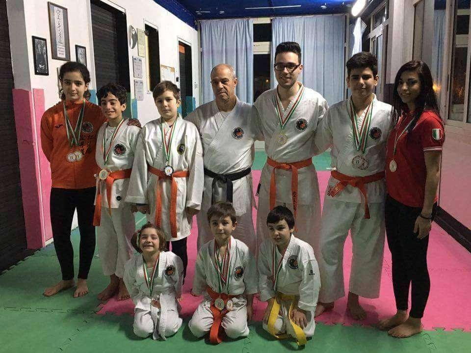 Siracusa, pioggia di medaglie ai regionali per la Tiger Karate Shotokan