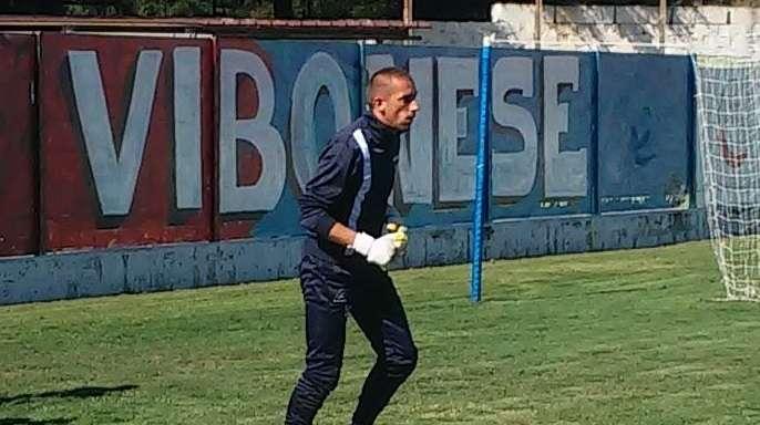 Calcio, il portiere Mengoni della Vibonese conta già sui punti contro il Siracusa