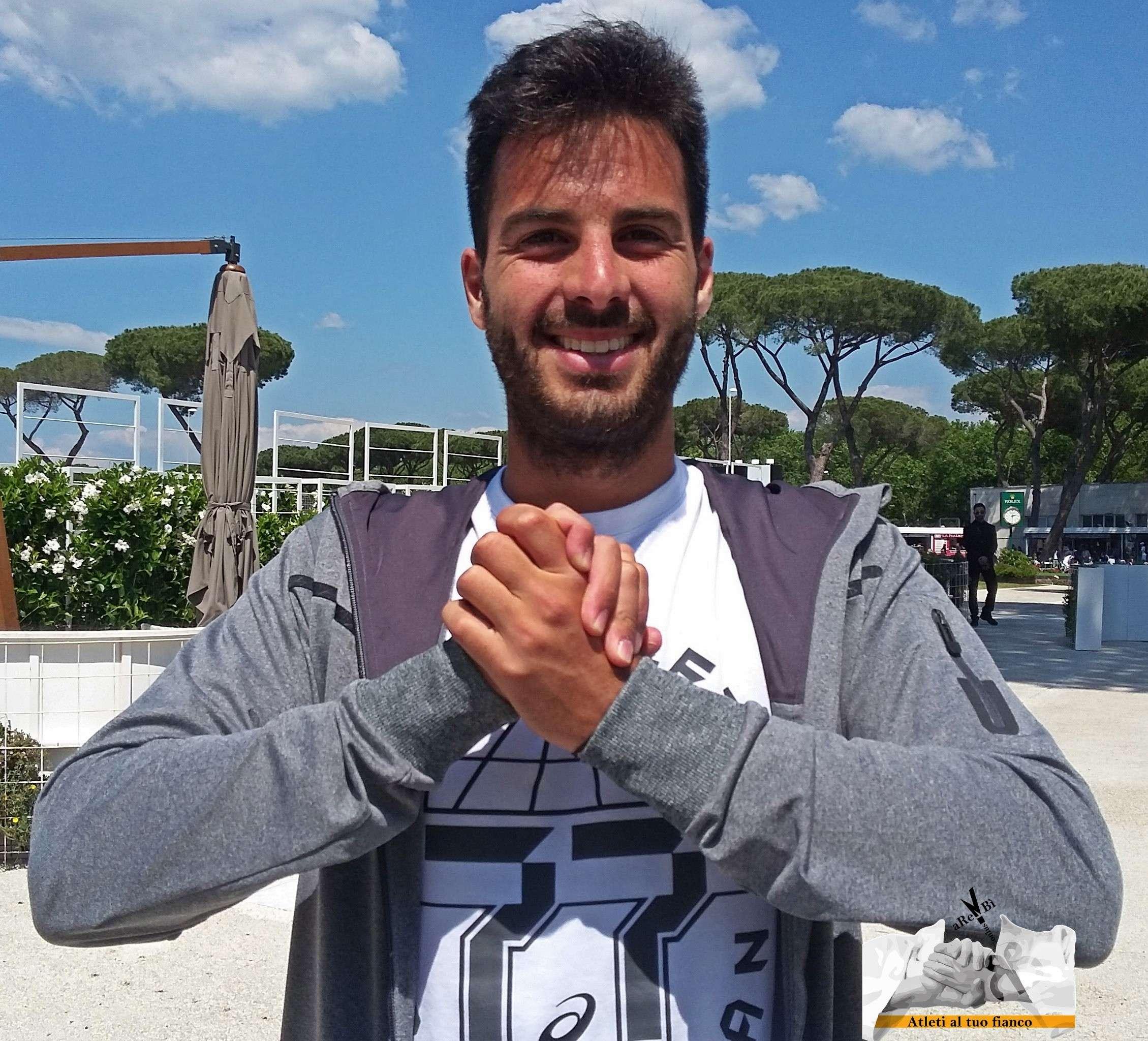 """Salvatore Caruso, tennista siracusano, con """"Atleti al tuo Fianco"""" nella lotta contro il cancro"""
