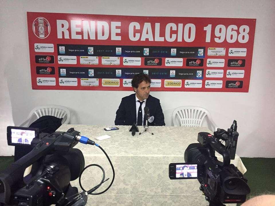 """Calcio, la Sicula Leonzio perde col Rende. Pino Rigoli in conferenza stampa: """"Beffati nell'unica opportunità concessa"""""""