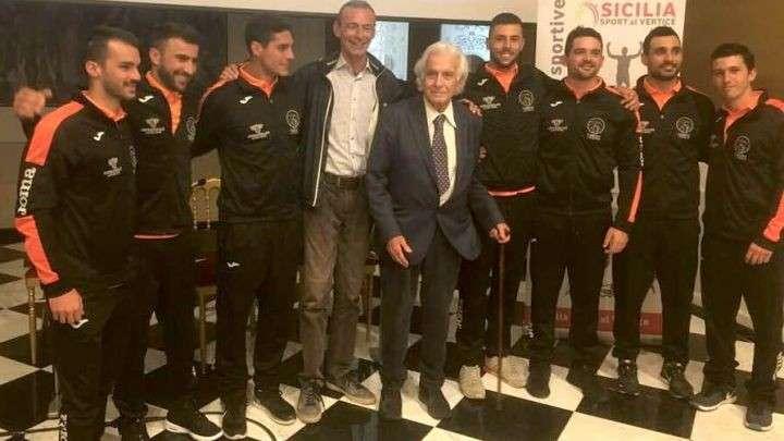 """Canoa Polo, parte la sfida della """"Polisportiva Canottieri Ortea Palace"""", tra i suoi atleti di punta gli aretusei """"mondiali"""""""